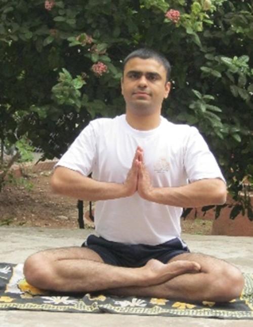 Yoga: Parvatasana